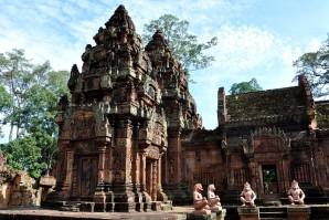 Angkor_banteay_srei_temple-2