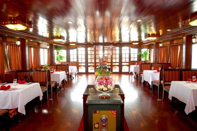 Bai Tho Cruise Dinning room