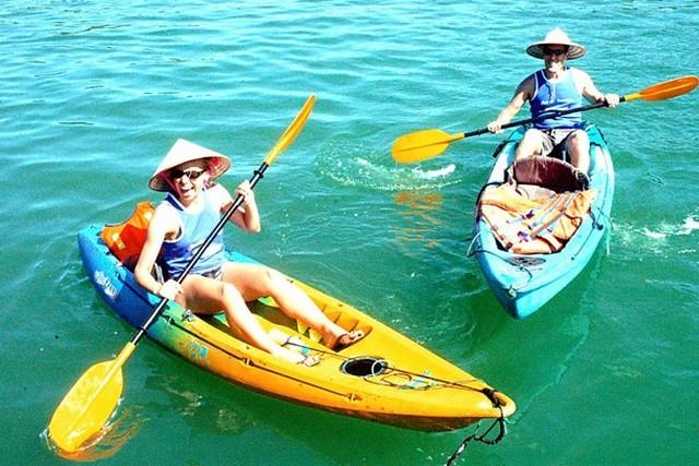 Bai Tho Cruise Kayaking
