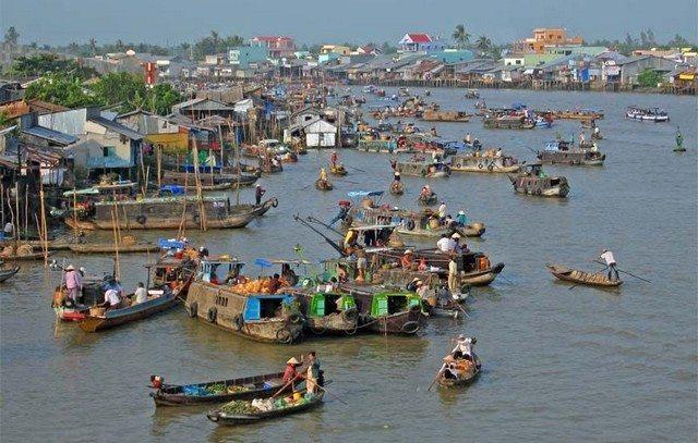 CaiRang Floating market