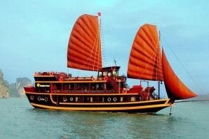Halong on Dragon's Pearl Junk