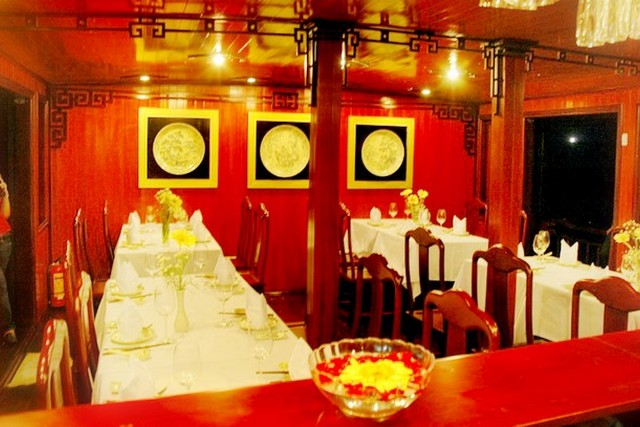 Dragon Pearl Junk Restaurant