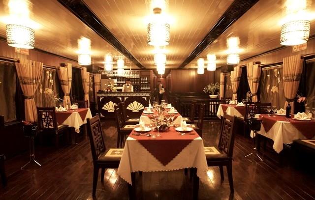 Glory cruise Restaurant