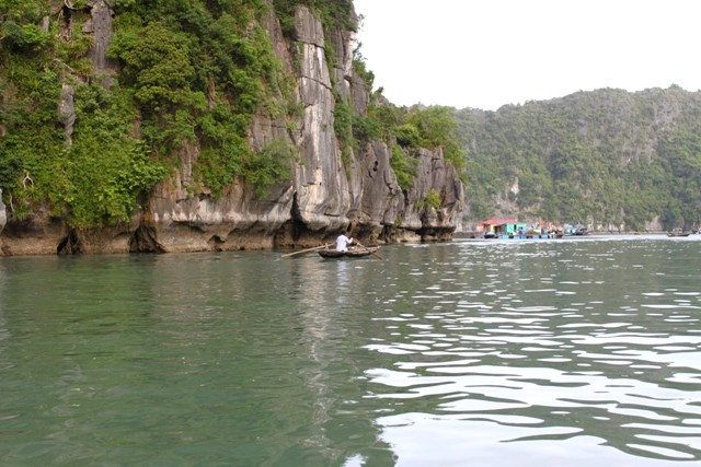 Halong Cap La fishing village