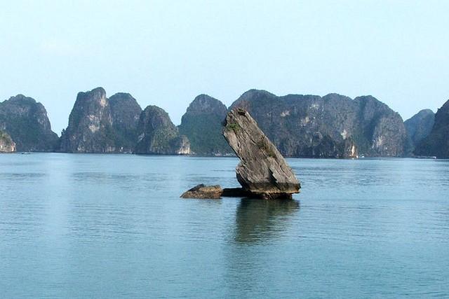 Halong ConCoc islet