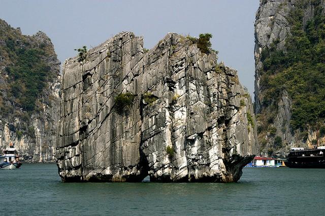 Halong Dinh Huong islet