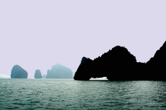 Halong Yen Ngua islet