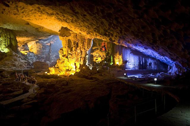 Halong Dau Go cave