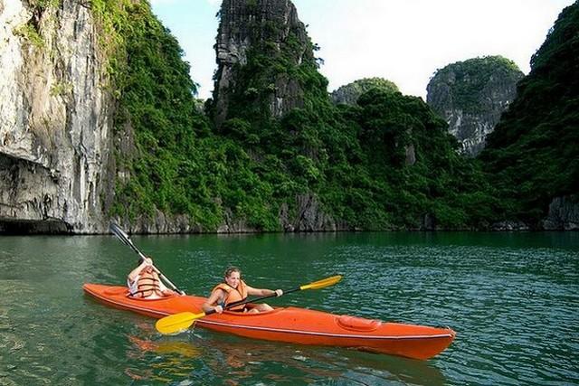 Huong Hai Junk Cruises Kayaking