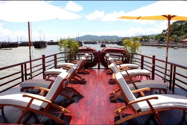 Huong Hai Junk Cruises Sundesk