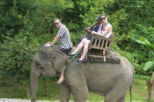 Laos-Elephant-rides2