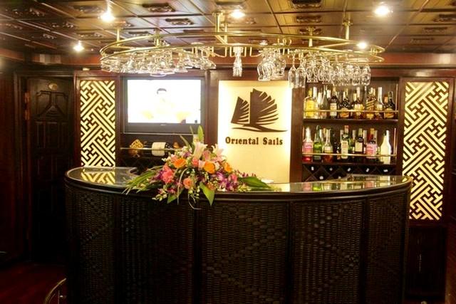 Oriental Sails Cruise Bar