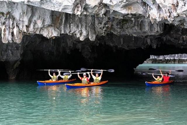 Oriental Sails Cruise Kayaking