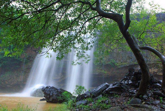 Laos Pha Xay waterfall
