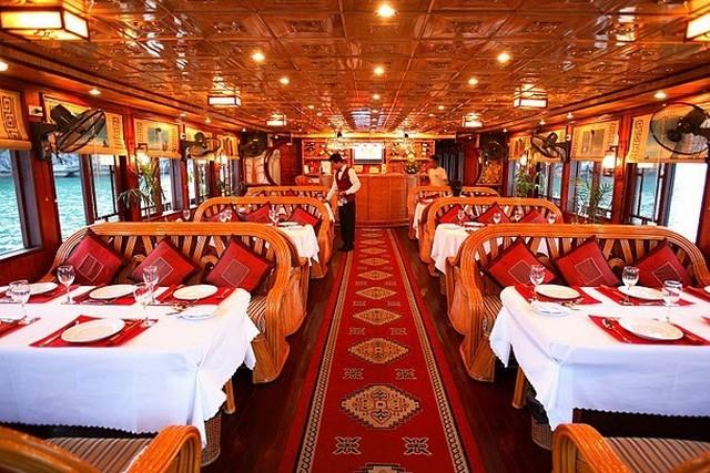Phoenix Cruises Dinning room