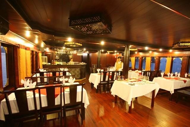 Phoenix Cruises Restaurant