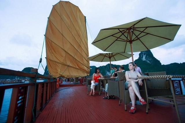 Phoenix Cruises Sundesk