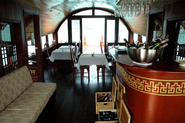 Red Dragon cruises Restaurant