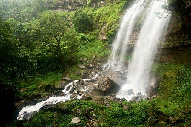 Laos Tad Xay waterfall