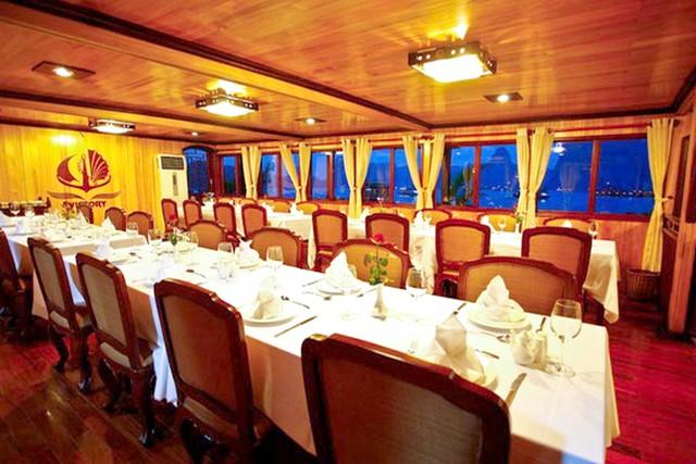 Victory cruise Restauant
