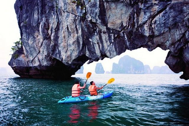 White Dolphin kayaking