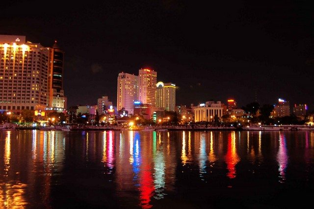 SaiGon river night