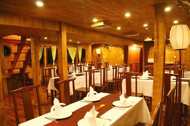 Mekong Eyes Cruise Dinning room