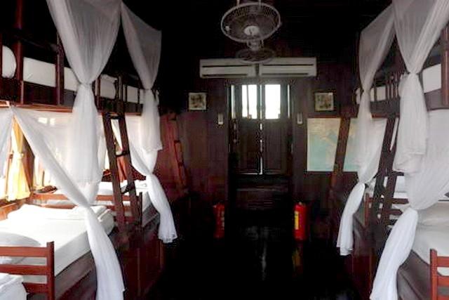 Mien Tay Sampan Cruise Cabin