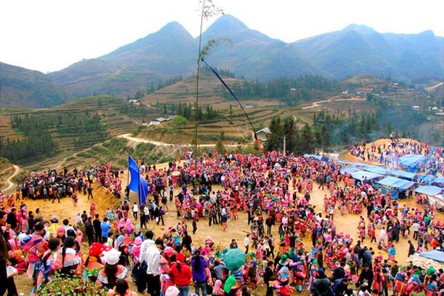 Gau Tao Festival in Hoa Binh