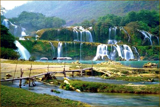 Kim-Boi-Hot-Water-fall