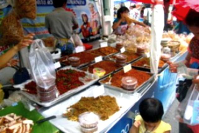 Shop and Snack at Talat Nam Taling Chan