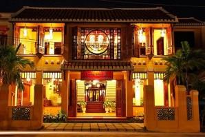 Long Life Riverside Hotel - TNK Travel