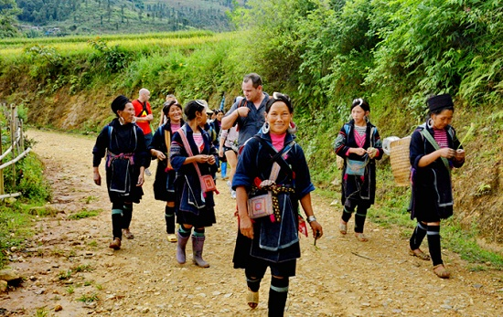Meet local people in Sapa