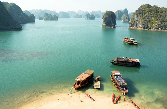 The great time for touring to Halong Bay is March-May