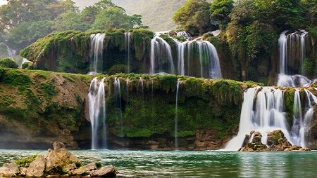 ban gioc waterfall in vietnam 1
