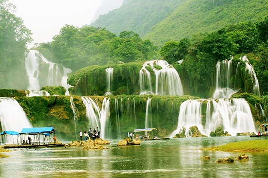 Ban Gioc waterfall is one of the greatest waterfalls in Vietnam