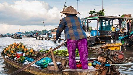 cai rang floating market in mekong delta vietnam 3
