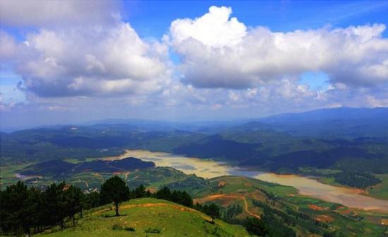 Beautiful view from Langbiang mountain in Dalat