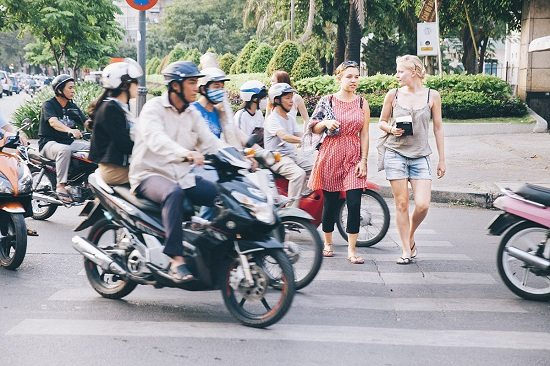 How to cross the street safely in Vietnam