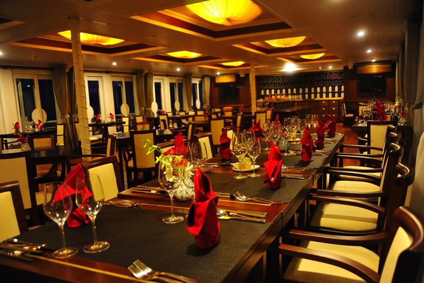 Au Co Cruise Halong Bay Restaurant