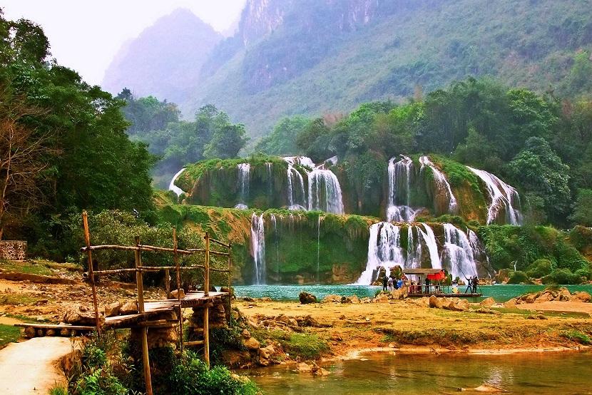 Ban Gioc Waterfall 1