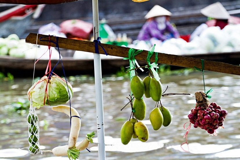 CaiBe Floating Market