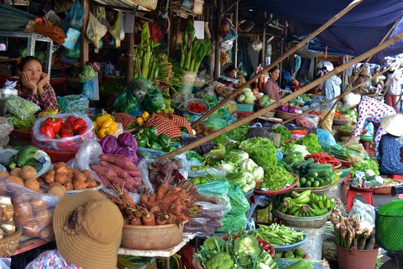 Dong Ba market,