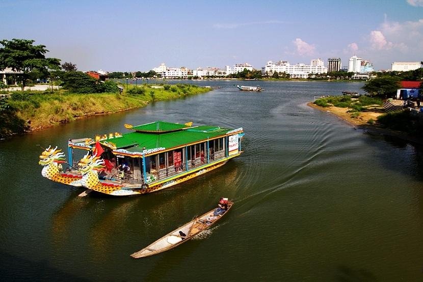 Hue Huong river