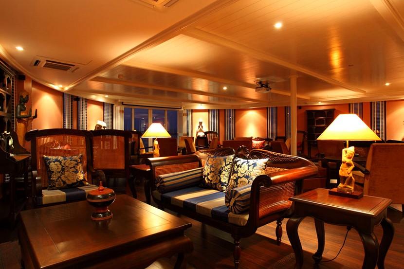 Jayavarman Cruise Lounge