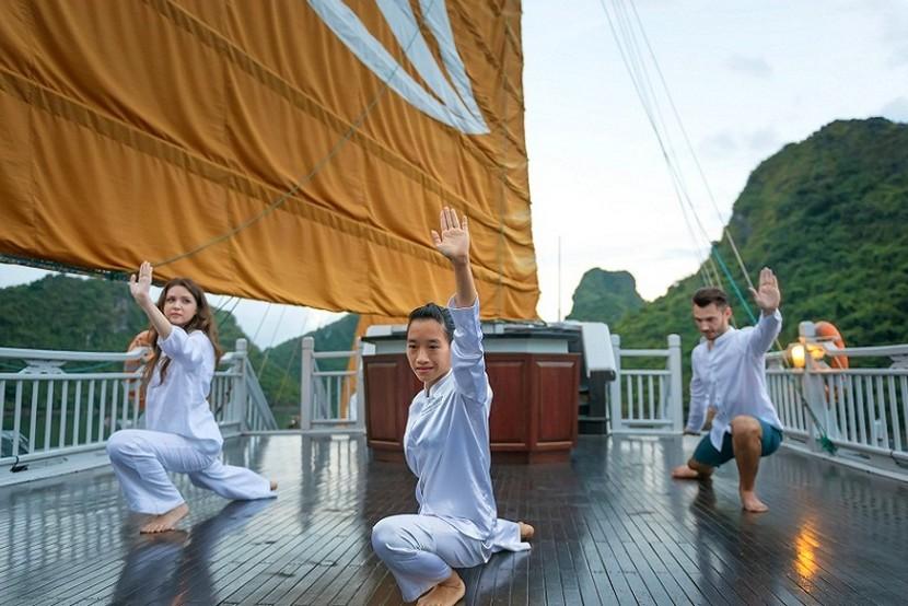 Paradise Cruise Halong Bay Tai Chi