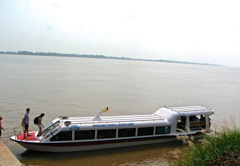 Speed boat Chau Doc to Phnom Penh & vice versa