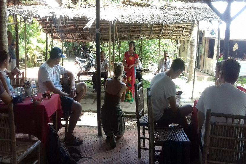 Vietnamese traditional folk music