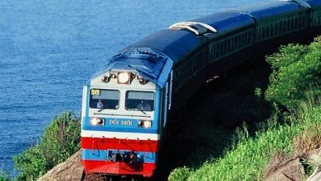 How to travel around Vietnam by train