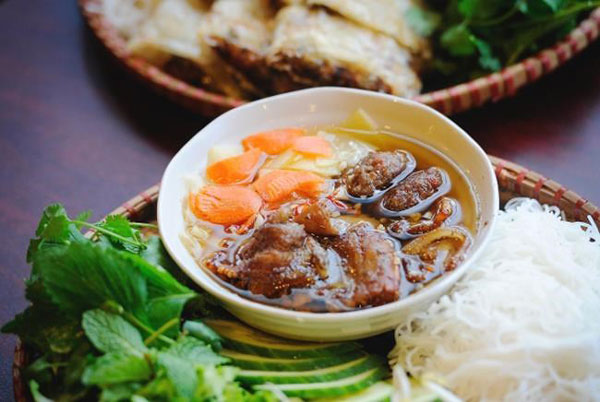 Bun Cha – Vermicelli with grilled pork